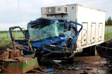 Colisão frontal na rodovia que liga Maripá a Nova Santa Rosa mata duas pessoas