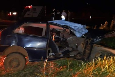 Motorista morre e passageira fica gravemente ferida em acidente na BR-373