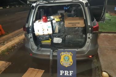 Perseguição a veículo roubado resulta na apreensão de 376 kg de maconha