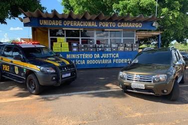 PRF recupera carro roubado com mais de meia tonelada de maconha em Porto Camargo