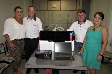 Rotary Club de Umuarama doa novos equipamentos para Colégio Dra. Zilda Arns