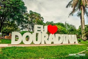 Veja o que abre e o que fecha no feriado que comemora a criação de Douradina
