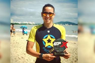 Atleta umuaramense de triathlon é campeã em competição em Santa Catarina