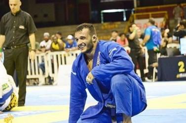 Começou a votação que pode levar umuaramense para o Abu Dhabi Jiu-Jitsu. Apoie