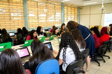 Mais de 20 mil alunos voltam às aulas em Umuarama e região nesta quarta