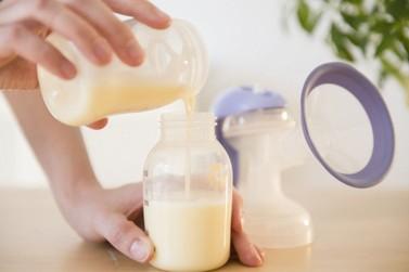 Pesquisadores da UEM são premiados por transformação de leite humano em pó