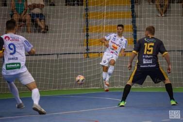 Campo Mourão supera Umuarama Futsal na abertura da Taça Pitanga: 2 a 1