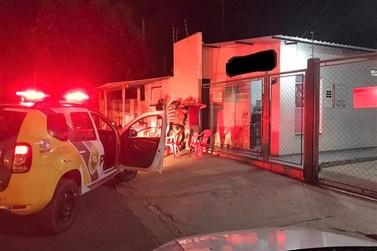 Estabelecimentos são flagrados descumprindo decreto municipal em Francisco Alves