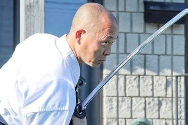 Mestre japonês ministra aulas de técnicas dos guerreiros samurais em Umuarama