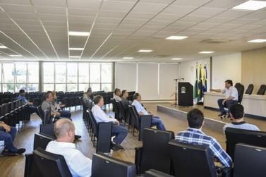 Prefeito se reúne com representantes da construção civil para discutir Covid-19