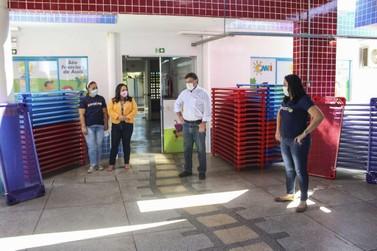 CMEIs e escolas municipais com educação infantil trocam colchonetes por caminhas