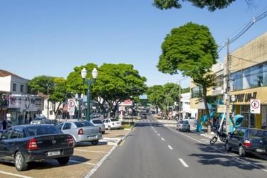 Decreto autoriza reabertura do comércio e impõe toque de recolher em Umuarama