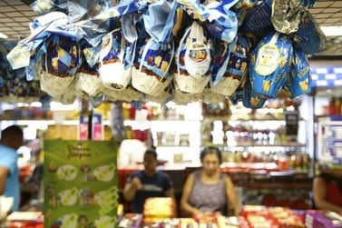 Lojas de chocolate poderão reabrir em Umuarama, anuncia prefeito durante live