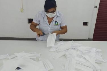 Voluntários produzem e distribuem mais de 2 mil máscaras em Cruzeiro do Oeste