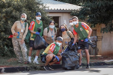 Atletas e dirigentes da Afsu ajudam no combate à dengue em Umuarama