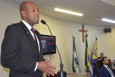 Vereador quer tornar essencial atividades das igrejas e dos templos em Umuarama