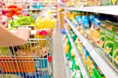 Justiça nega abertura de supermercados de Umuarama durante o domingo