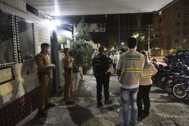Fiscalização notifica comércios e flagra diversas aglomerações em Umuarama