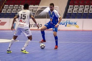 Líder do grupo, Umuarama enfrenta o Jaraguá pela Liga Nacional de Futsal
