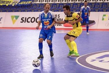 Praia Clube elimina o Umuarama e avança na Liga Nacional de Futsal