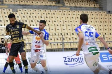 Umuarama está nos playoffs da Liga Nacional de Futsal; estreia é nessa quinta
