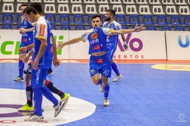Empate pode dar o título do Paranaense de Futsal ao Umuarama nesta terça-feira
