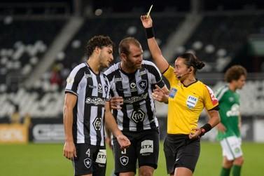 Fifa escala a árbitra de Goioerê Edina Alves para o Mundial de Clubes no Catar