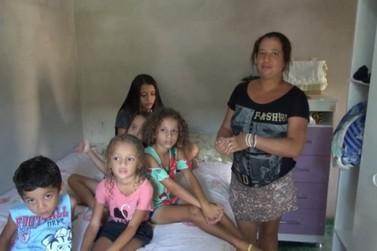 Família de Cruzeiro do Oeste é contemplada em campanha da atriz Tatá Werneck