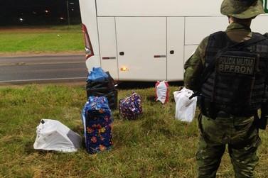 BPFron apreende contrabando em ônibus que passava por Cruzeiro do Oeste