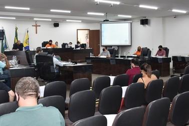 Vereadores querem mais transparência em vacinação contra a covid-19 em Umuarama