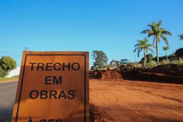 Avenida Portugal fica bloqueada nos próximos 15 dias por causa de pavimentação