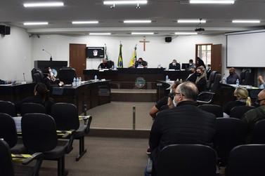 Aprovado processo que pede a cassação do mandato do prefeito Celso Pozzobom