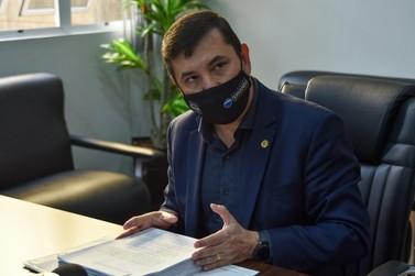 Delegado Fernando protocola pedido de cassação do mandato do prefeito Pozzobom