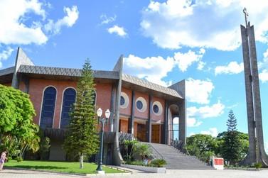 Diocese de Umuarama celebra Corpus Christi com missa presencial e virtual