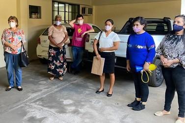 IAT doa madeira apreendida para entidades assistenciais de Umuarama