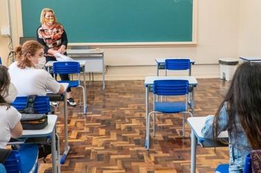 Educação publica edital para contratação de professores com vagas para Umuarama