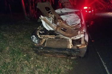 Homem fica ferido após colidir veículo contra uma vaca na rodovia PR-482