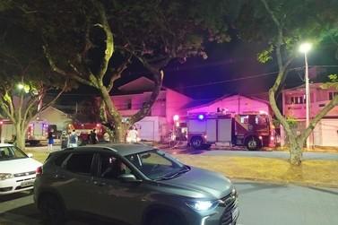 Incêndio consome residência desocupada na avenida São Paulo, em Umuarama