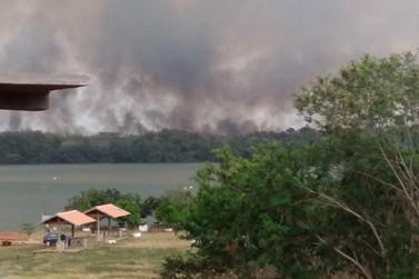 Incêndio de grandes proporções atinge o Parque Nacional de Ilha Grande
