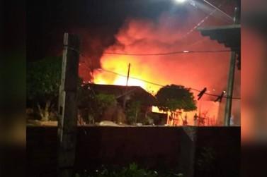 Incêndio que atingiu residência em Tapejara é controlado por caminhão-pipa
