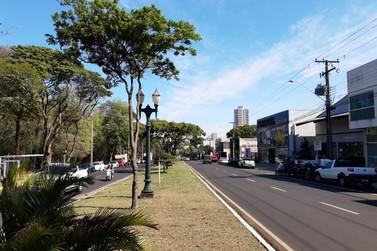 Lojas do Centro de Umuarama ficam abertas até às 17h deste sábado