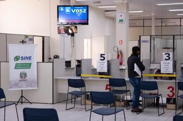 Mais de 330 vagas de emprego são ofertadas na Agência do Trabalhador de Umuarama