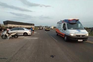 Motociclista fica ferida após acidente na rodovia PR-323, em Cruzeiro do Oeste