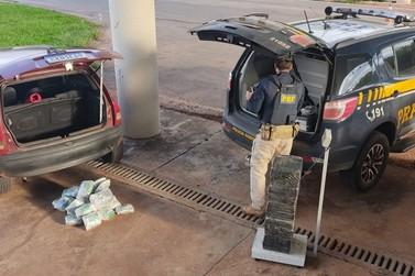 Dupla de Cruzeiro do Oeste é presa com droga que seria entregue em Umuarama