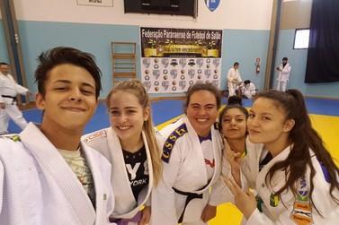 Judoca umuaramense Any Moreira participa de treinamento com medalhistas mundiais
