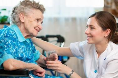 Abertas inscrições para 40 vagas em curso de cuidador de idoso