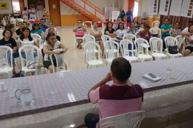 Aulas da rede pública continuam paralisadas em Umuarama