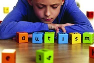 Carreata marca Dia Mundial do Autismo em Umuarama