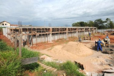 Construção do Centro de Iniciação ao Esporte avança no Sonho Meu