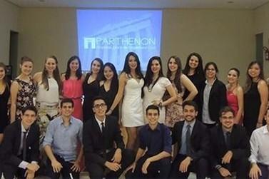Cresce as oportunidades de negócios com ajuda de jovens universitários